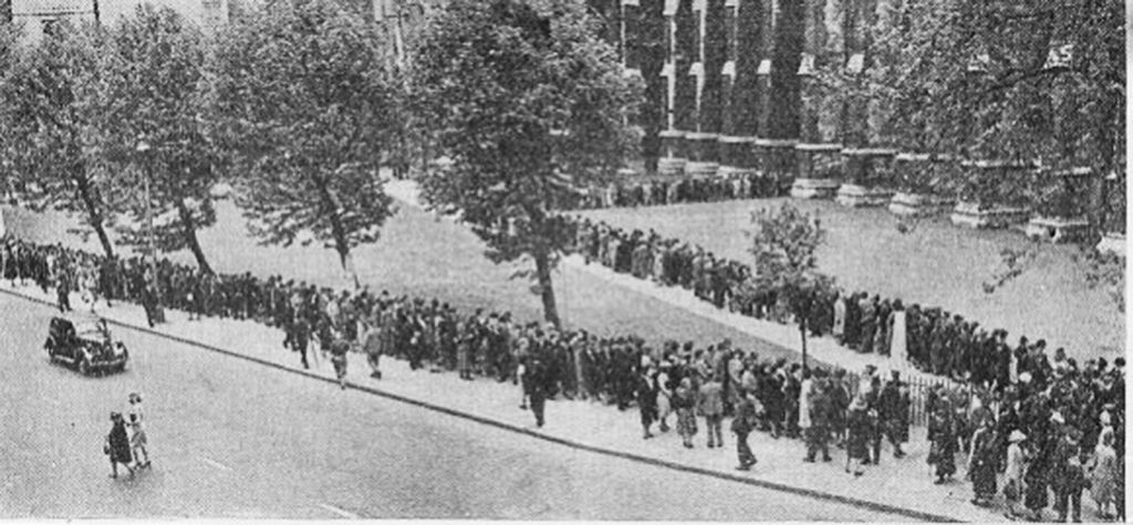 Dunkirk spirit: queues formed to pray in May 1940 outside Westminster Abbey