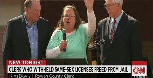 150908215026-kentucky-clerk-kim-davis-released-from-jail-credit CNN