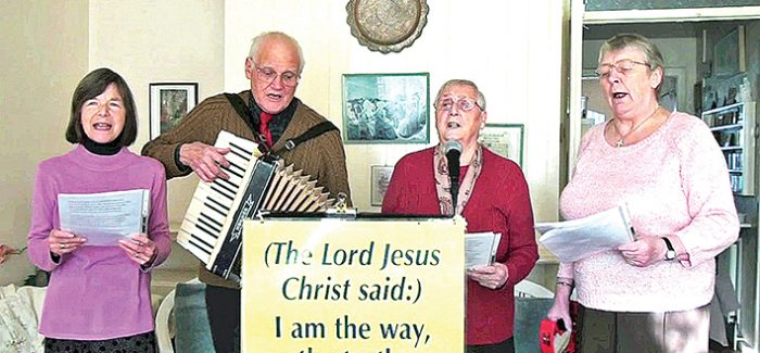 The pensioners who bring hymns and hope to the elderly