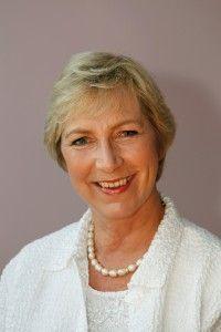 Popular TV presenter Pam Rhodes will present the 2014 Christian Book Awards