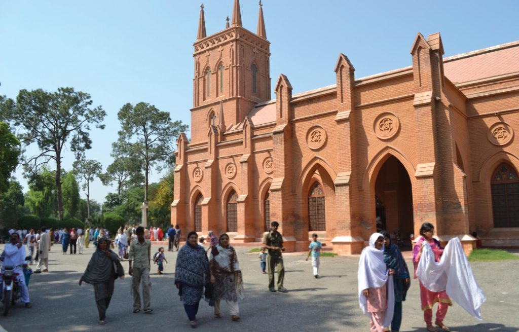 p8-9-peshawar_st-johns-cathedral