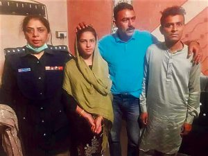 Arzoo Raja with police in Karachi and Ali Azhar